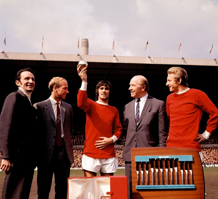 George Best receiving the 1968 Ballon d'Or, with Max Urbini, Bobby Charlton, Denis Law and Matt Busby.