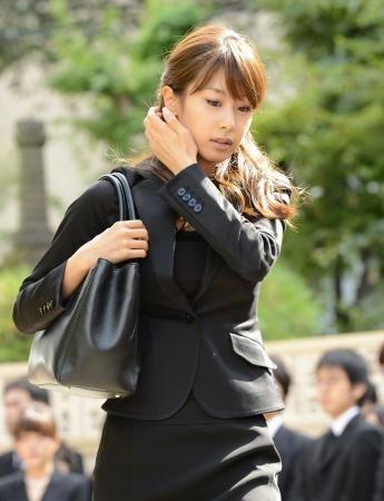 黒いスーツが綺麗な加藤綾子.jpg (345×450)