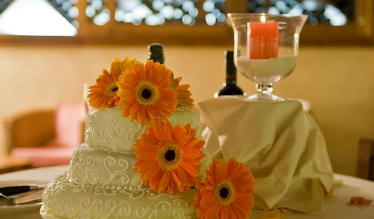 Wedding by the Ambasciatore Gusto in Tuscany, simple elegance!