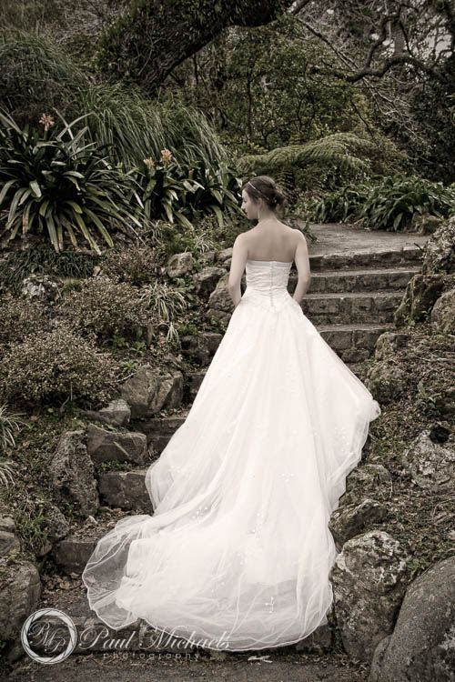 Bride at botanical gardens.  #Wedding #photographers, #Wellington, New Zealand. http://www.paulmichaels.co.nz/