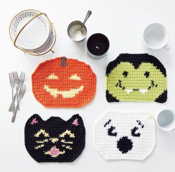 Maxim 2020 Halloween Halloween Placemats Crochet Kit in 2020   Halloween placemats
