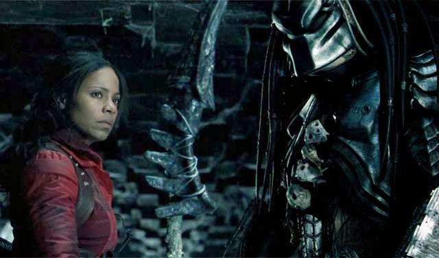 Sanaa Lathan As Alexa Woods In Avp Alien Vs Predator 2004 Alien Vs Predator Predator Alien Predator Movie
