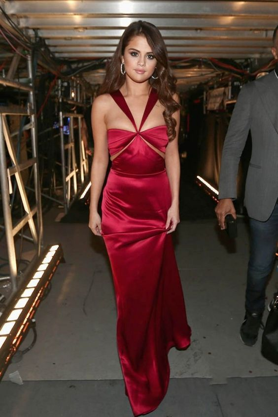 25b507a27fc Selena Gomez Designs a Belted High-Waisted Bikini to Cover Up Her Kidney  Transplant Scar