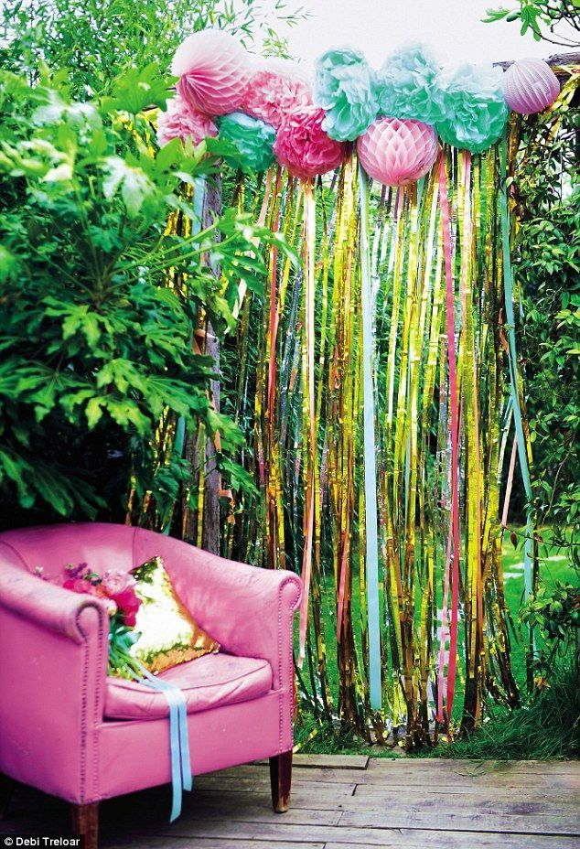 Esta decoração de festa de jardim DIY dará a sua atmosfera de festa de verão! idéias de decoração DIY