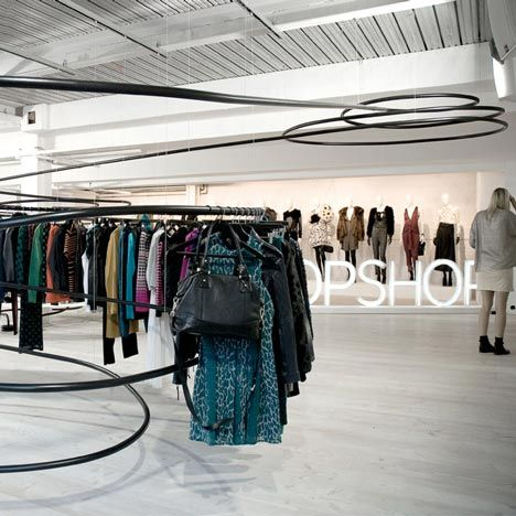 42 Architects design a temporary installation to present the new Topshop collection to the press