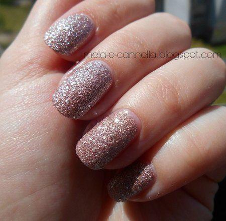 Avon Magic Effects - Mineral Crush nail polish - Pearl #glitter  #nailart - bellashoot.com