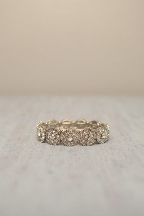joli également mais plus pour alliance bague bijoux cailloux alliance ...