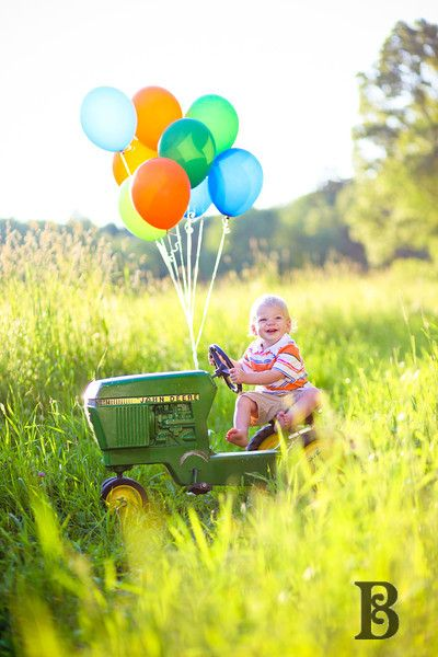 First Birthday Photos-this cute, I could get this done with a real tractor for Landyn