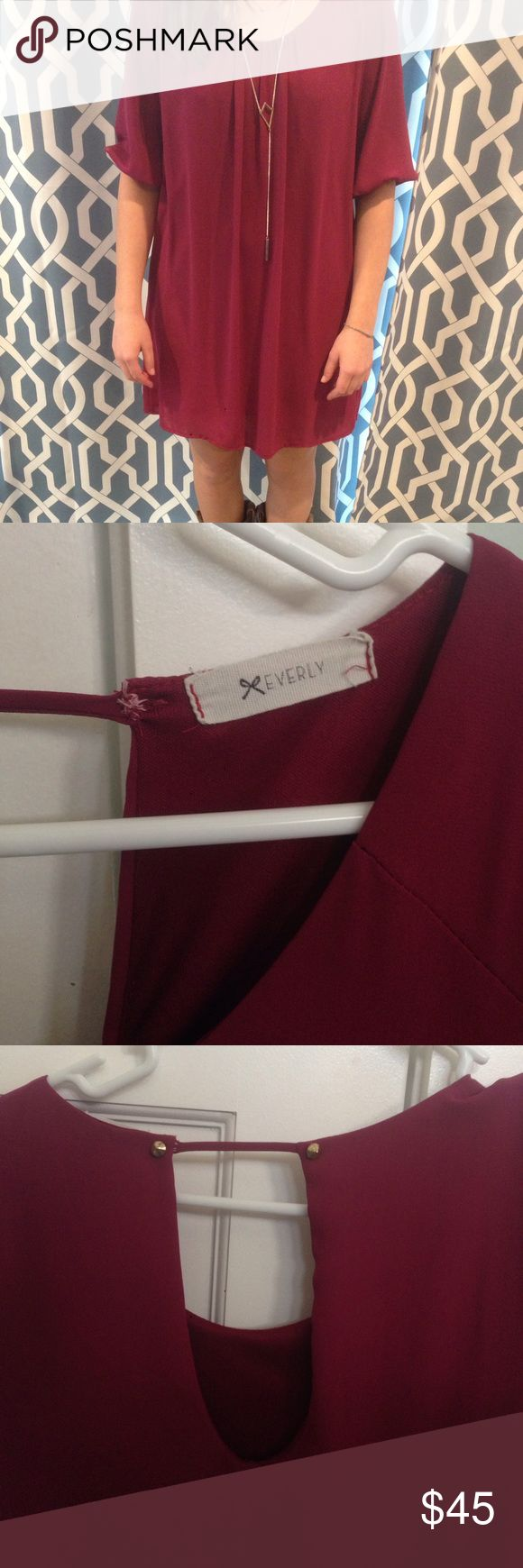 Maroon everly dress A deep color and effortless cut make this comfy dress the perfect element of any wardrobe. 100%polyester, gold accents on peephole back , perfect condition, no tears or pulls Everly Dresses Mini