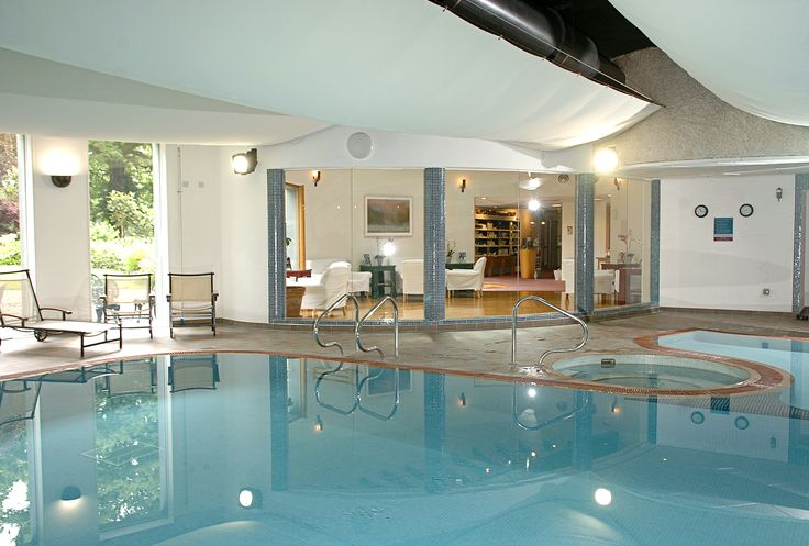 Relax in our 17m pool, jacuzzi, sauna & steam room