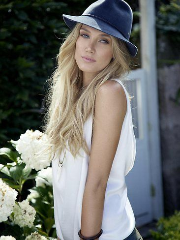 Delta Goodrem - I want her hair