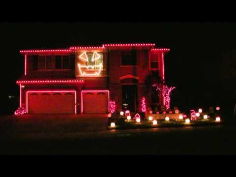 Halloween Light Show 2010 HD - This is Halloween ( Marilyn Manson )