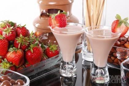 Receita de Amarula caseira em receitas de bebidas e sucos, veja essa e outras receitas aqui!