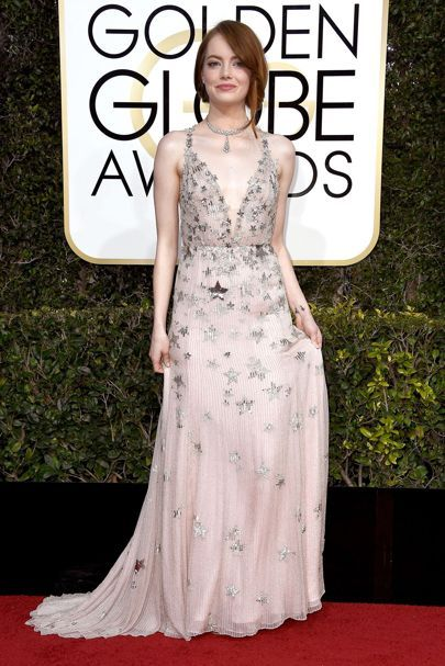 Emma Stone arrived in a Valentino gown accessorised with Tiffany & Co jewellery. Golden Globes 2017 Dresses – Red Carpet Dresses & Outfits | British Vogue