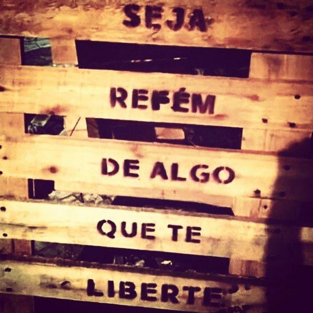 Bom dia...bjs e abraços  #frases #pensamentos #liberdade