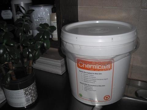 A TEAMS chemical bucket to reduce the waste that goes down the drain