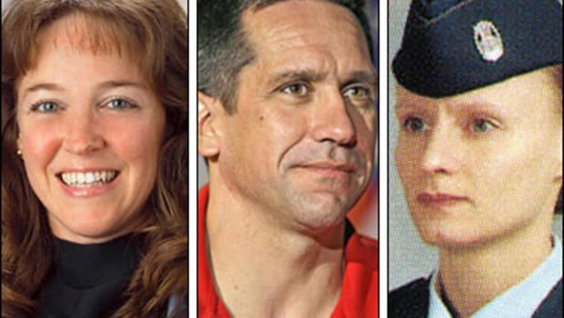 In '07, Bill Oefelein found himself at the center of a love triangle with his former girlfriend & ex-astronaut, Lisa Nowak, & his new love interest at the time, Air Force captain Colleen Shipman. Strangely, Nowak drove 900 miles from Houston (urinating in diapers so she did not need to stop), confronted Shipman in the parking lot of the Orlando International Airport, and pepper sprayed her. She pleaded guilty to felony burglary & misdemeanor battery  in Nov '09, & sentenced to 1yr probation.