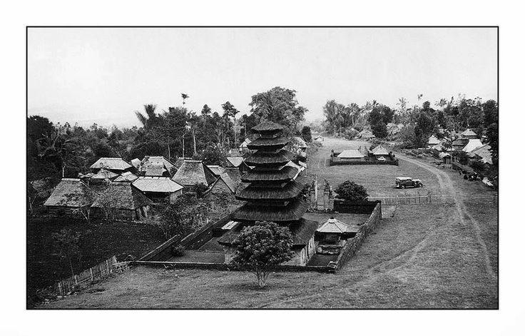 Besakih Temple 1930's, Bali