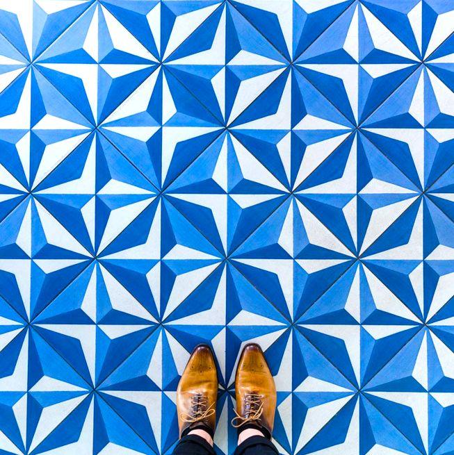 見上げていては絶対に見逃してしまう。バルセロナ「足元の芸術」22枚   TABI LABO