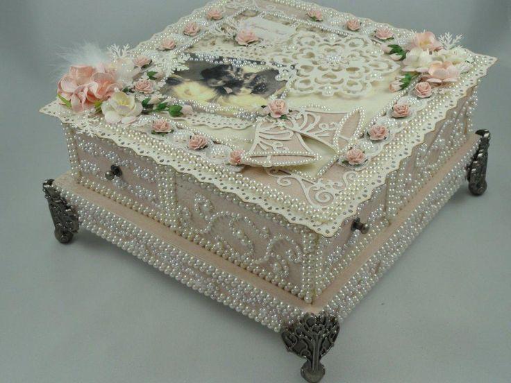 Christmas 4-drawer Box 2011  www.tarascraftstudio.com