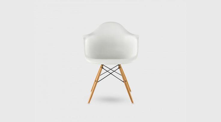 Eames® Moulded Plastic Dowel-Leg Armchair (DAW) - Living Edge