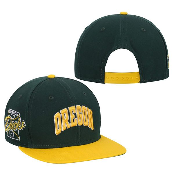 Oregon Ducks New Era Primary Fan Redux Original Fit 9FIFTY Adjustable Hat - Green - $20.99