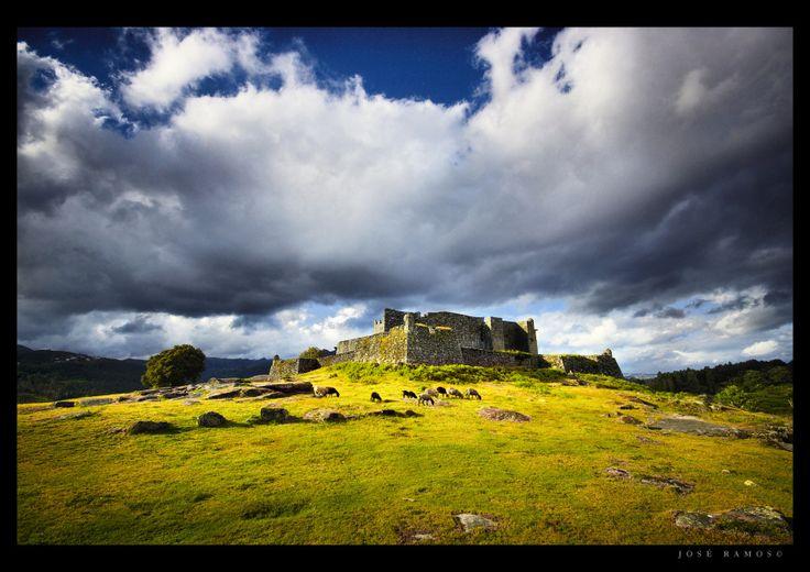 A fotografia da paisagem no Parque Nacional da Peneda Gerês, que descreve a Lindoso  - fotógrafo José Ramos de Portugal