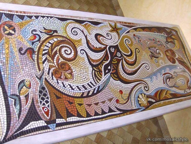 Мозаичные столешницы из керамической плитки автора Patricia Hourcq.