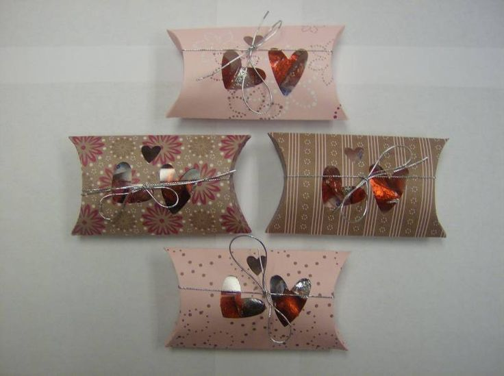 These are pillow boxes I made for all my customers this month. Used the Heart to Heart Punch and lined with piece of transparency. & 102 best Pillow Box Ideas images on Pinterest | Pillow box Boxes ... pillowsntoast.com