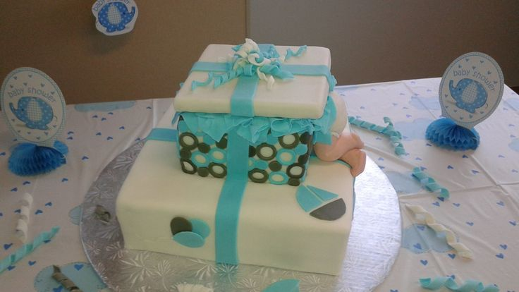 Baby boy shower cake/ gâteau shower de bébé