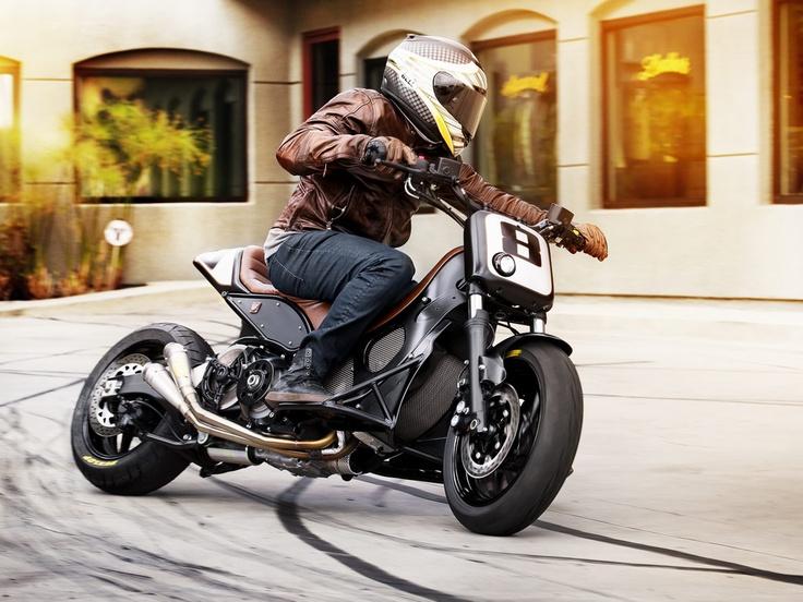 Roland Sands pone su sello a esta Yamaha T-Max Hyper Modified. Espectacular.