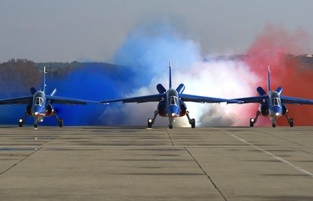 French Armée de l'Air Patrouille de France display team. No1 & his 2 wingmen in their Dassault Dornier Alphajets.