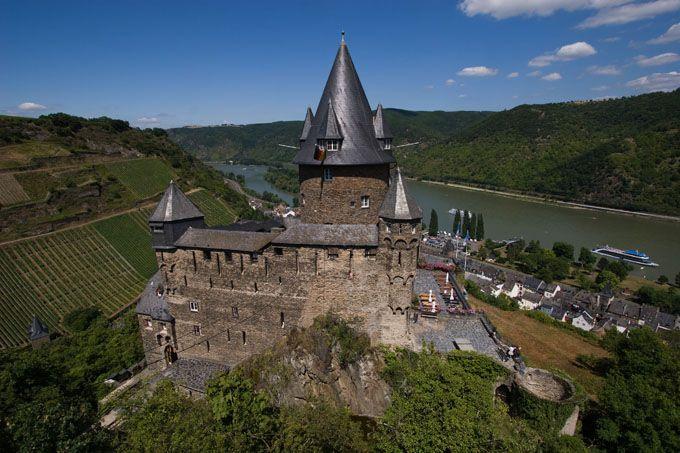 Burg Stahleck, Rheinland-Pfalz beheimatet heute eine Jugendherberge - beautiful castle germany - youthhostel