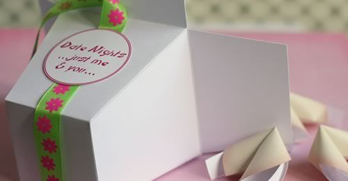 Homemade romantic gift idea. Date night fortunte cookies in take out box. Free templates.