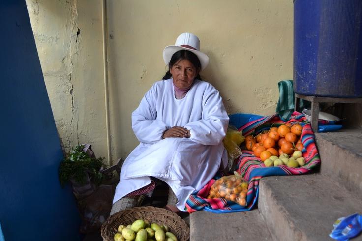 cusco food market vendor