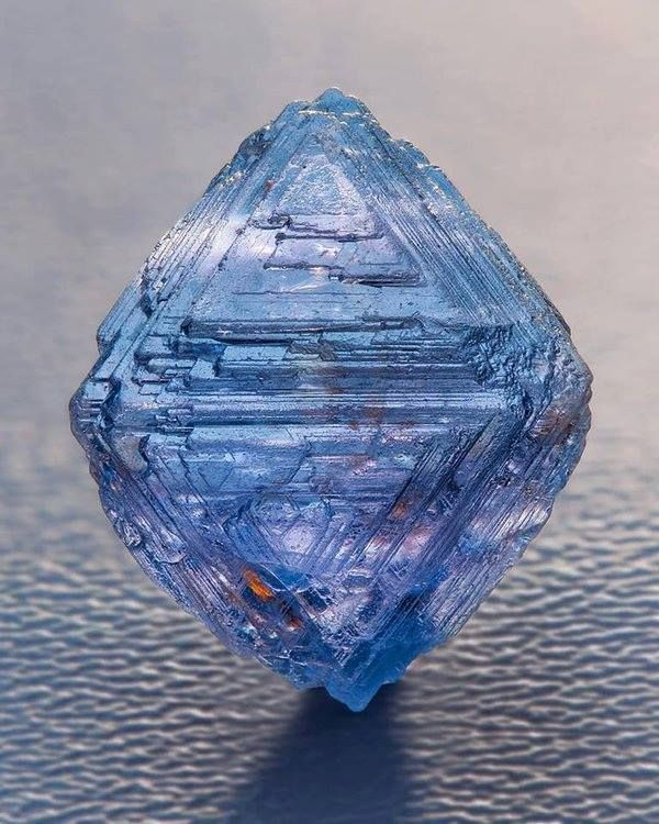 This is a very special and very rare octahedron Blue Spinel with natural growth marks from Sri Lanka.