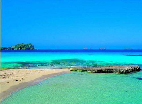 Ibiza-Platges de Comte by kuviajes, via Flickr