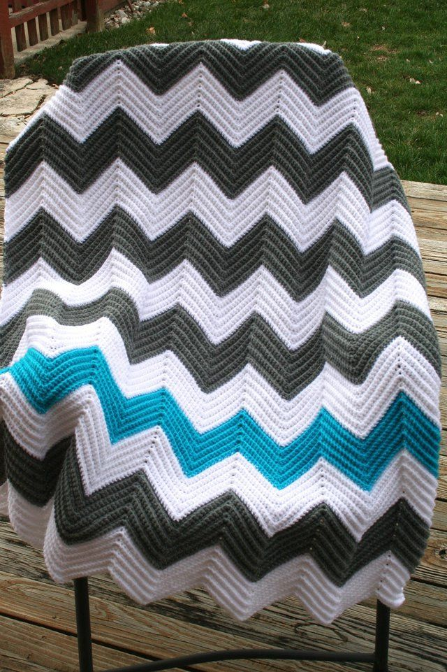 Chevron blankets are one of the mind-bungling project to work on. A classic pattern that is easy enough for beginners and it only requires some knowledge of basic crochet.