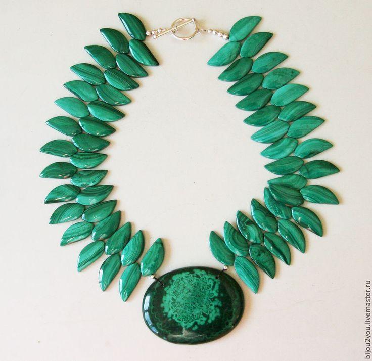 Эйва малахитовое колье - зеленый,зеленый цвет,зеленый камень,зеленые бусы
