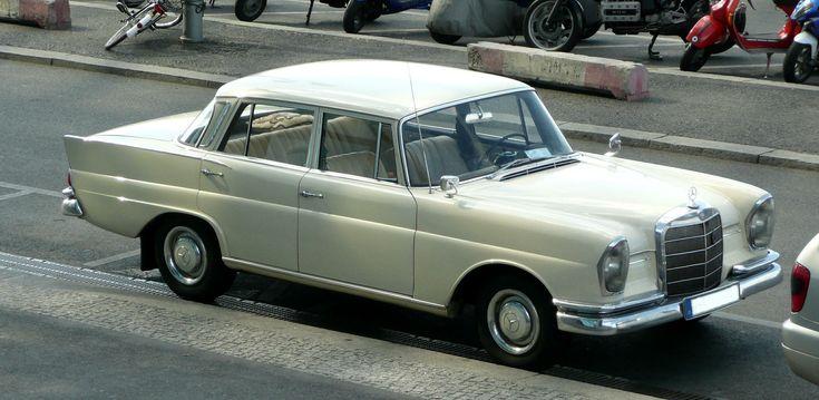 Mercedes-Benz 220S (W 111)