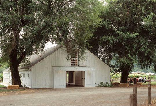 the Polished Pebble: Modern Farmhouse Architecture / Architect Howard Backen
