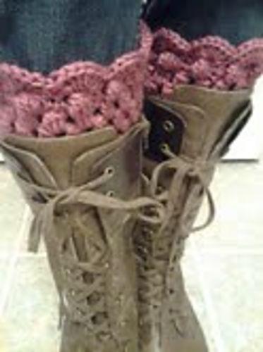 thistle boot cuffs: free crochet pattern