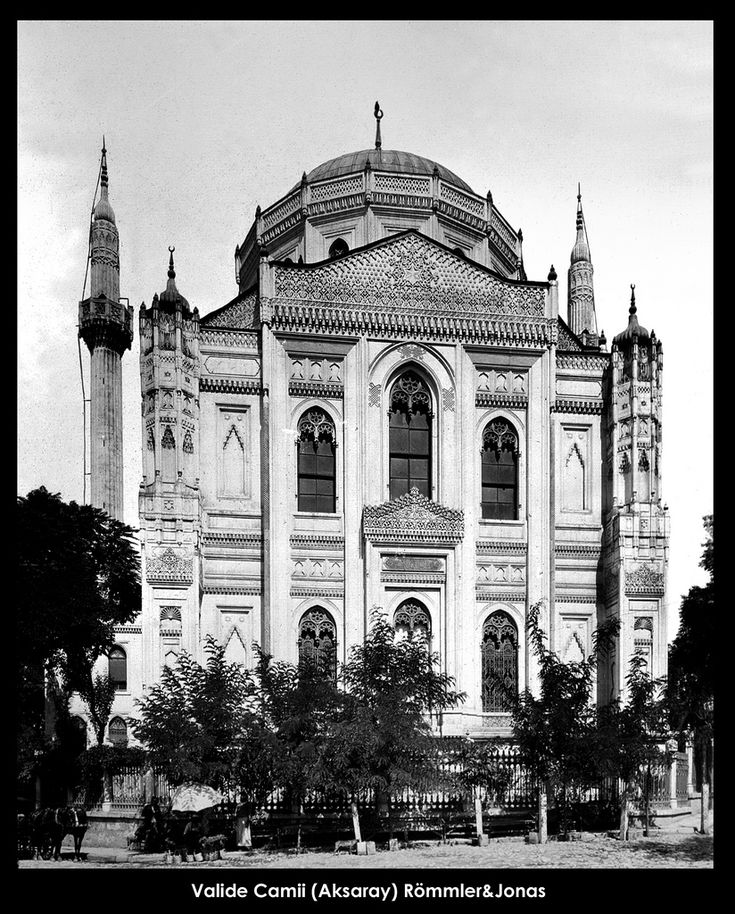 İstanbul-Yıldız Albümleri, Valide Camii (Aksaray) Römmler&Jonas