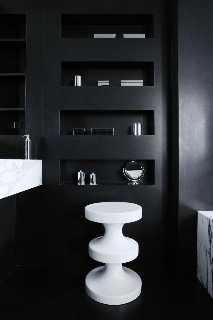 le tabouret bishop par india mahdavi contemporary bathrooms recessed shelves and inspiration. Black Bedroom Furniture Sets. Home Design Ideas