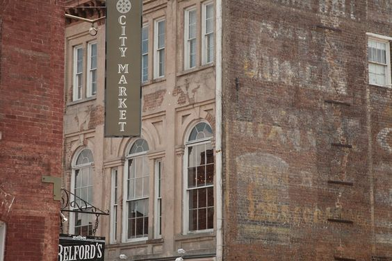 Savannah is very traditional in its feel and look, but then you find some contemporary design mixed in. #globalphile #travel #tips #destinations #savannah #usa #architecture http://globalphile.com/city/savannah-georgia/