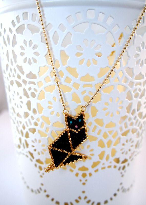 Collier chat origami tissé en perles Miyuki