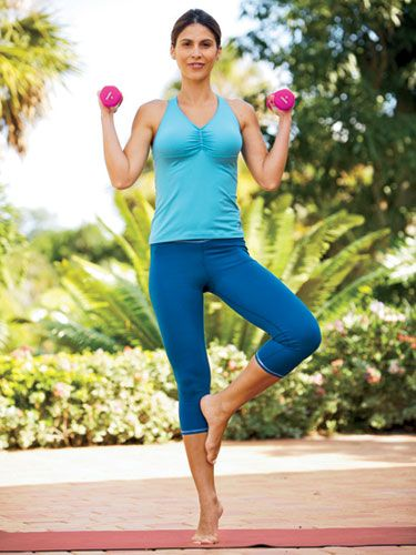3 Week Body Makeover: Tiptoe Butterfly Curls #arms #abs #core