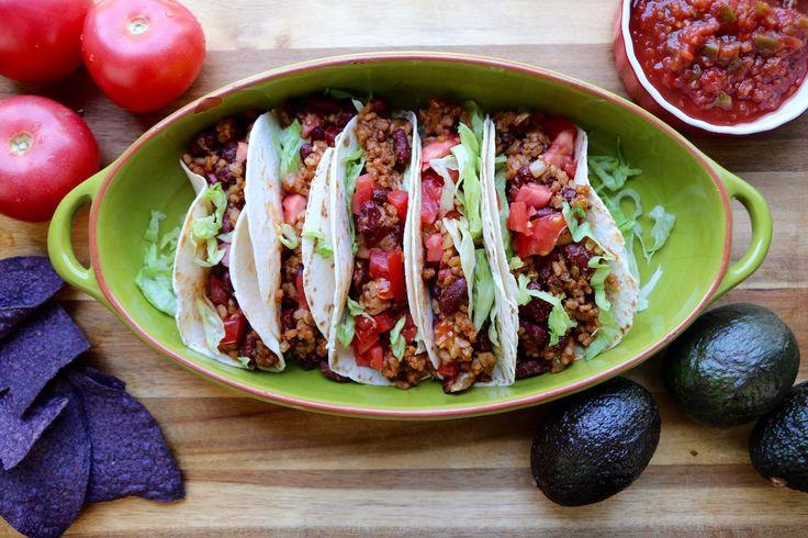 Tacos - Voiciune recette qui fera l'unanimité: Les Tacos Végé! Santé et rapides à préparer, vous pouvez les garnir de vos condiments favoris.