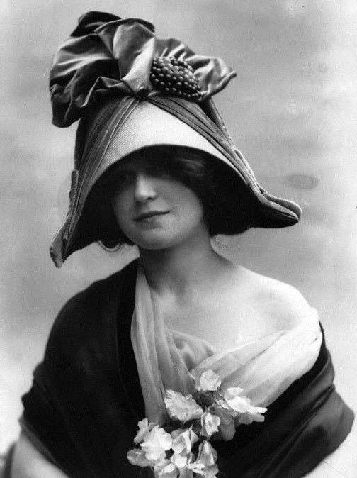 Maison Lewis - Chapeau 'Bicorne' - 1911