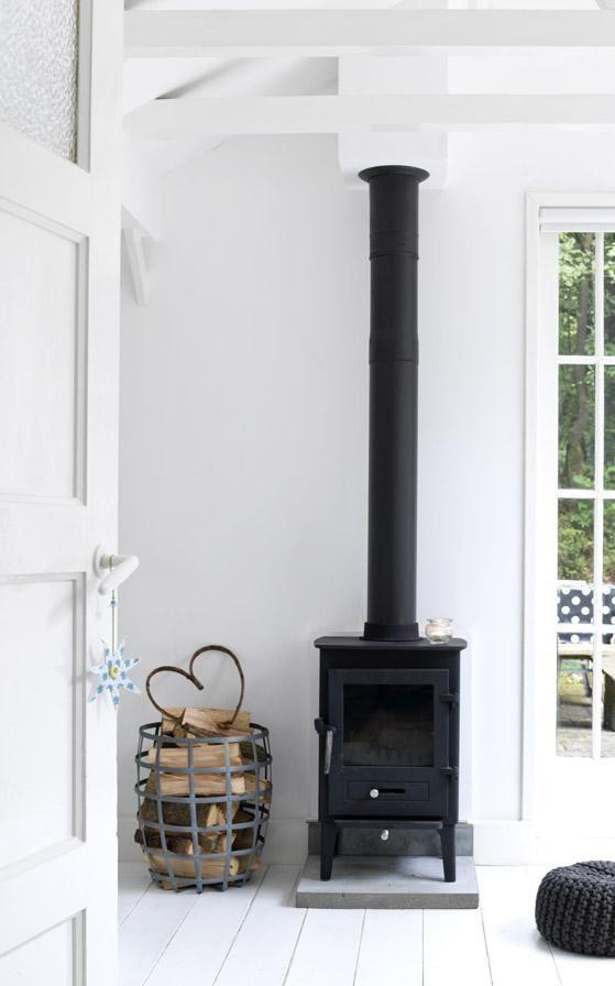 Wit gelakte houten vloer - zwart/wit